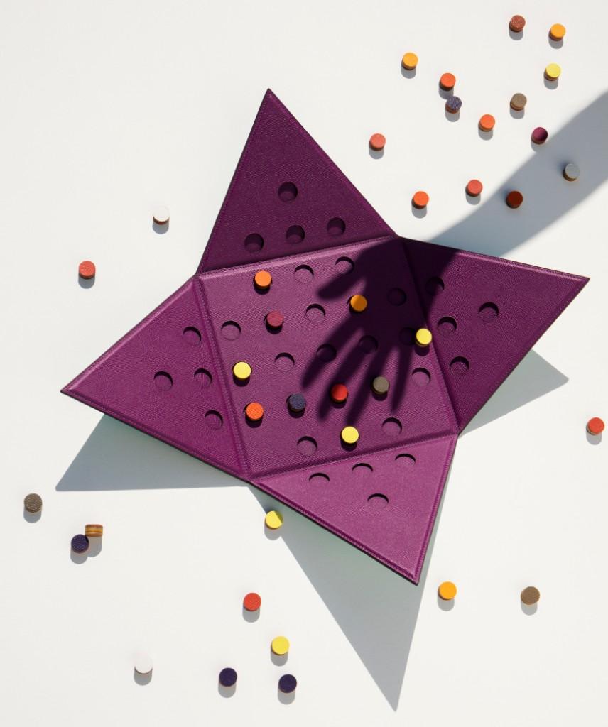 Solitaire pyramid game photo - Credits Jonathan Frantini