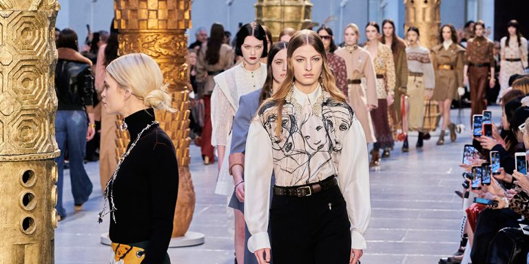 The Best Looks From Chloé's Retro Fall/Winter 2020 Show