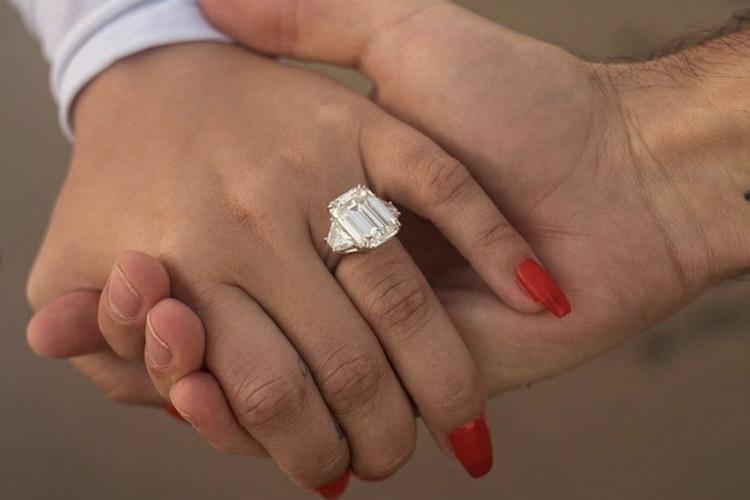 Demi Lovato, Engagement Ring